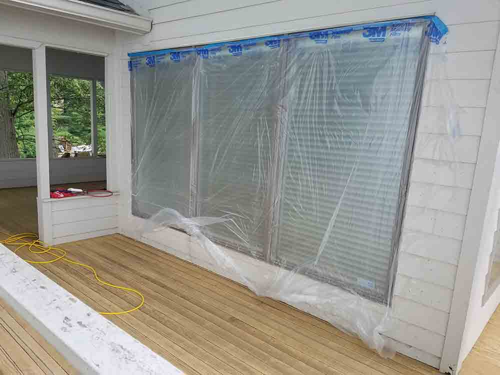 Tarping-off-a-construction-site