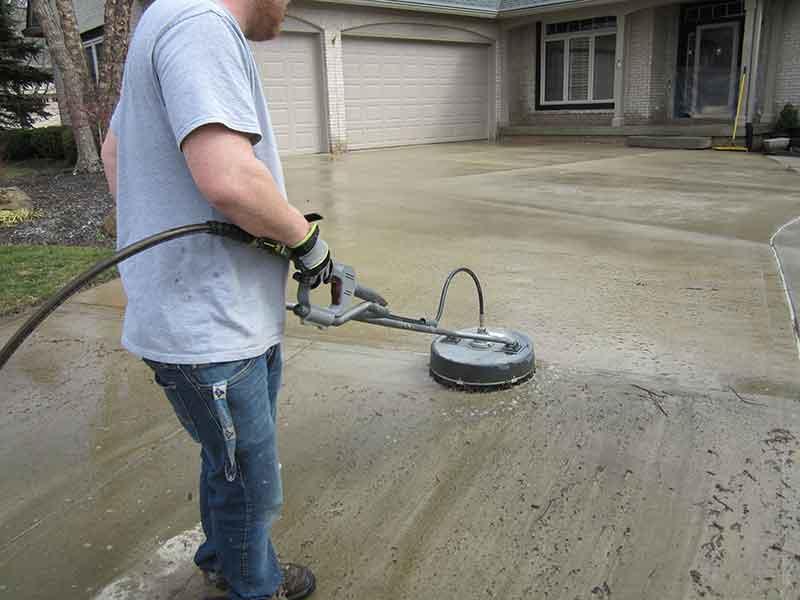 scrubbing-a-driveway-process